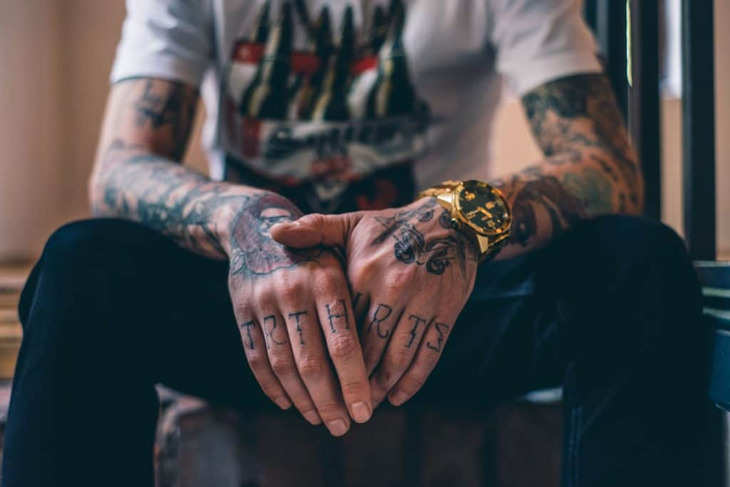 5 Things to consider before getting a finger tattoo